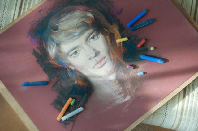 aec6716529ceff4abec536c3484d4dbe-1024x680-640x480 Портреты цветной пастелью