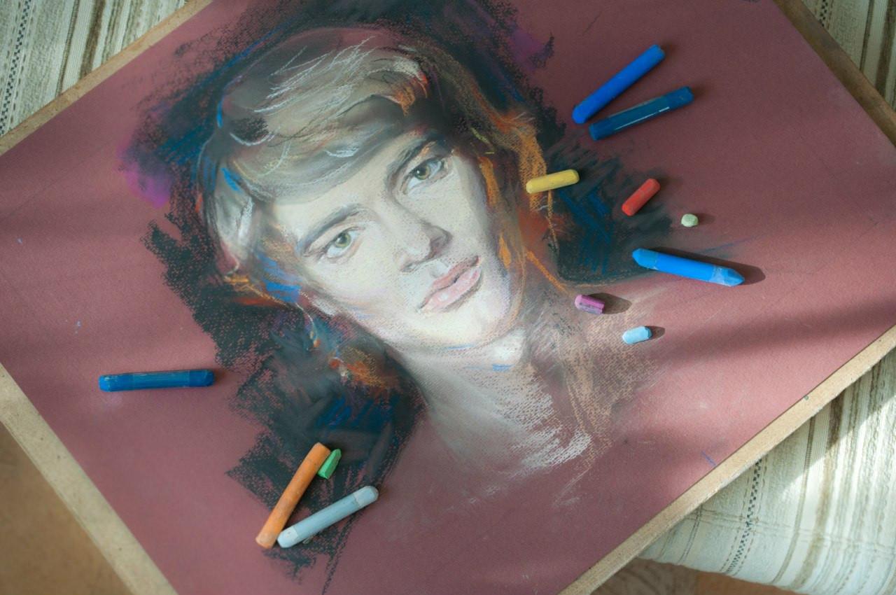 aec6716529ceff4abec536c3484d4dbe Портреты цветной пастелью